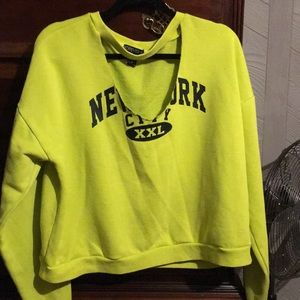 Great casual sweatshirt with choker neck